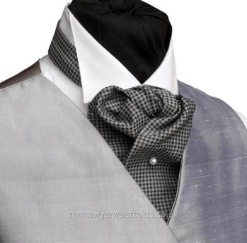 knightsbridge-cravat-lge