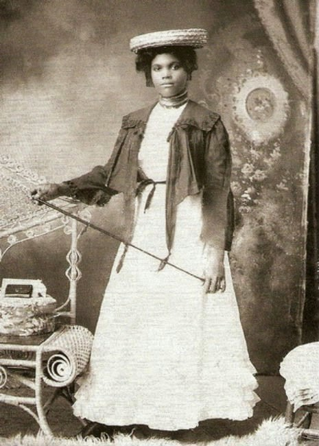 black-victorian-style