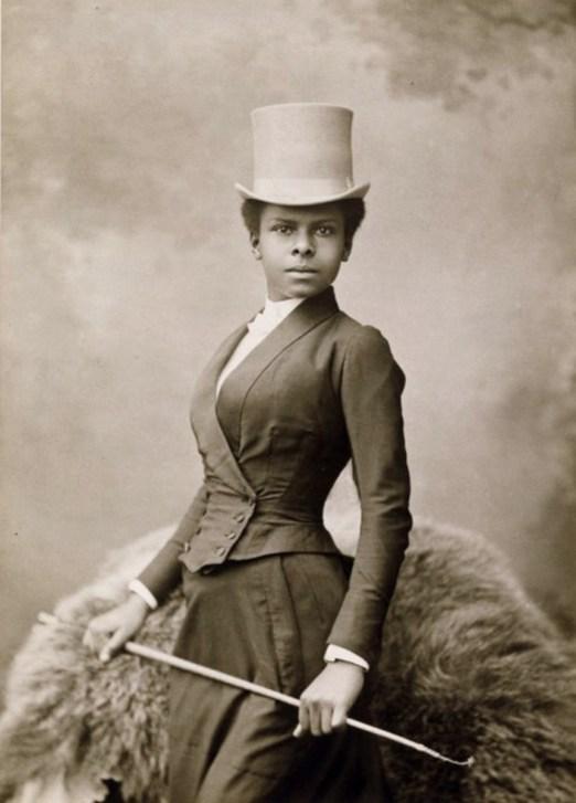 equestrian-black-victorian-woman-1