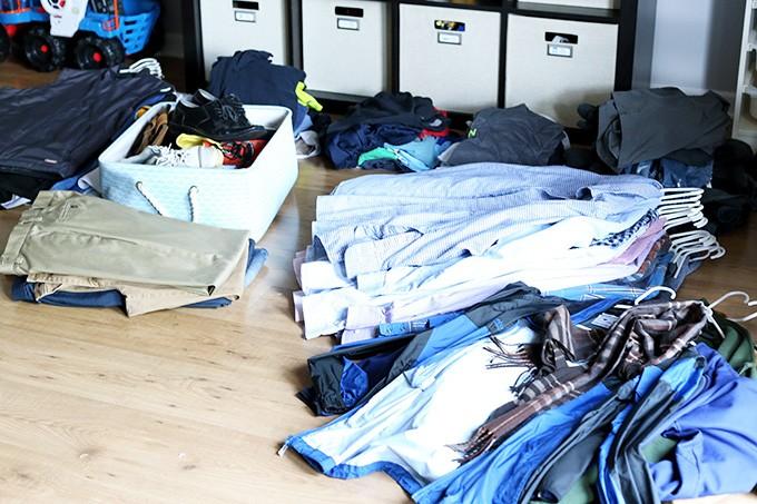 The-KonMari-Method-Clothes-Pile-2-680x453